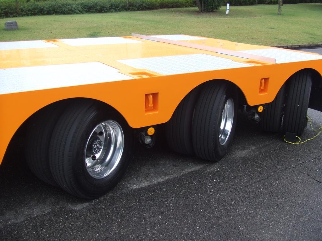 3軸トレーラー