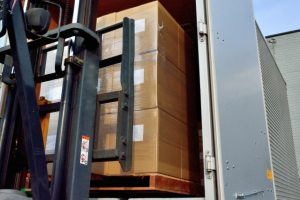貨物の積み込み