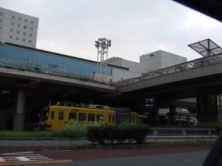 豊橋駅と路面電車